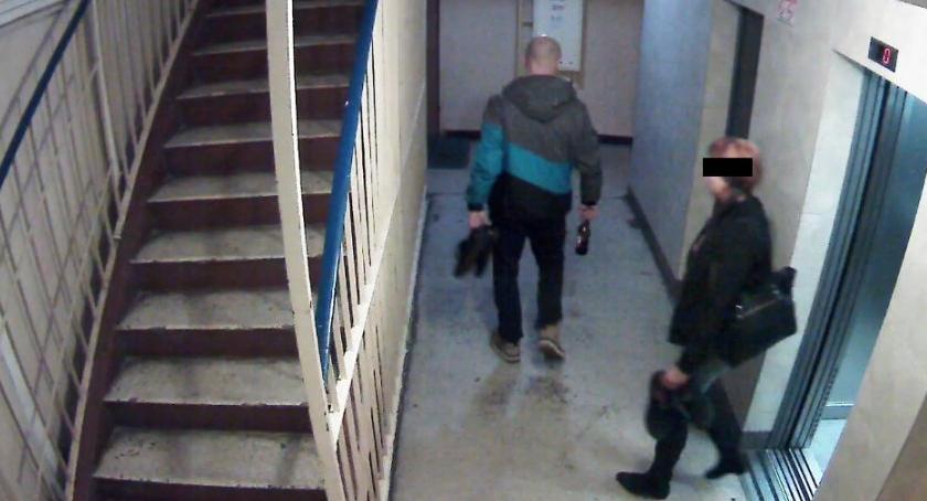 Kradzieże i Rozboje, Grozi uwięzienia Ukradli klatki schodowej butów - zdjęcie, fotografia