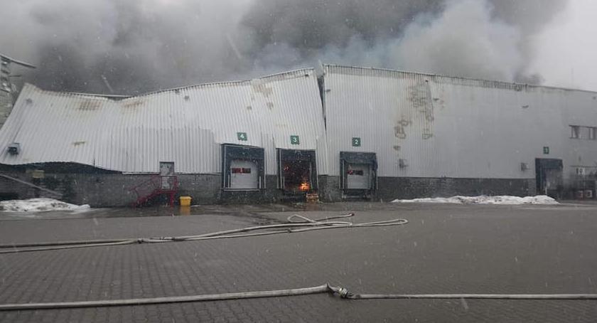 Pożary, Wciąż gaszenie pożaru Żeraniu Mogą problemy usługami mobile [FOTO] - zdjęcie, fotografia