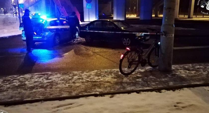 Wypadki, Potrącenie rowerzysty - zdjęcie, fotografia