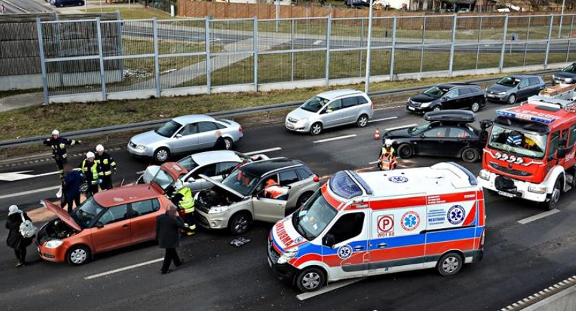 Wypadki, Jedna osoba ranna wypadku [ZDJĘCIA] - zdjęcie, fotografia