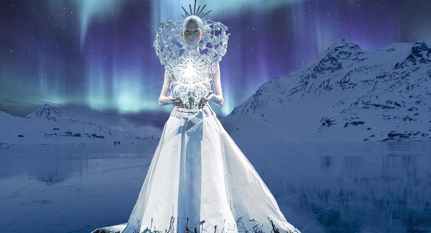 NEWS, Samochodem kierowała Królowa Śniegu - zdjęcie, fotografia