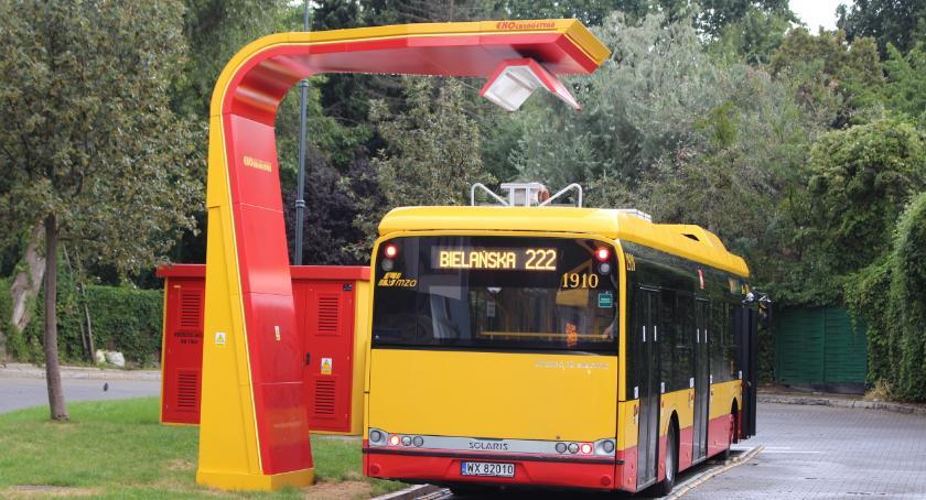Transport publiczny - komunikacja, Autobusy będą zasilane przez duże ładowarki - zdjęcie, fotografia