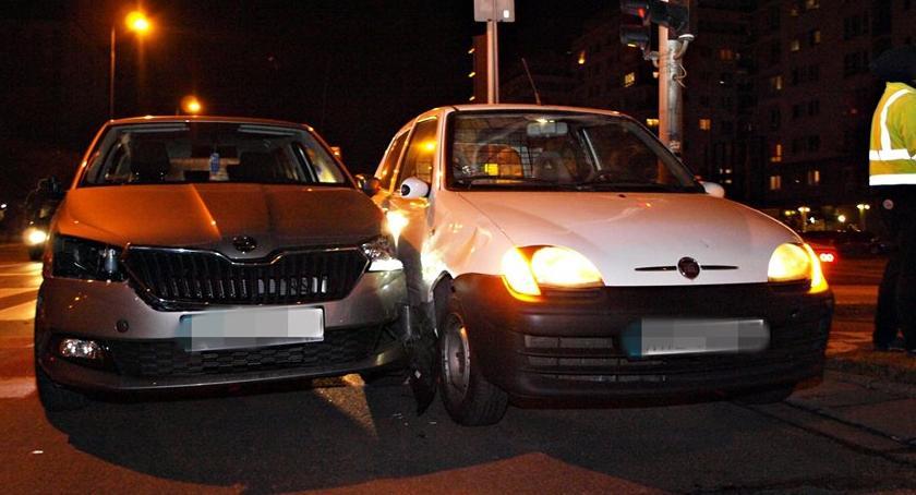 Wypadki, Kierowca Ubera sprawcą kolizji Uderzył - zdjęcie, fotografia
