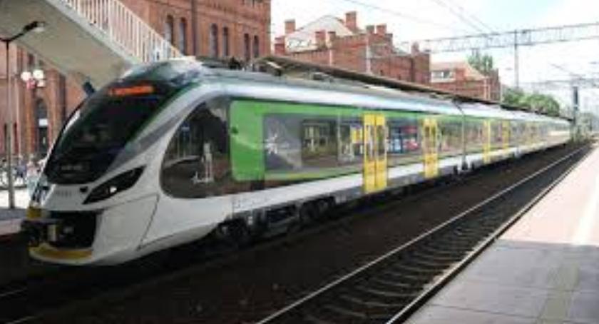 Koleje Mazowieckie, WAŻNE Koleje Mazowieckie zmieniają rozkłady - zdjęcie, fotografia