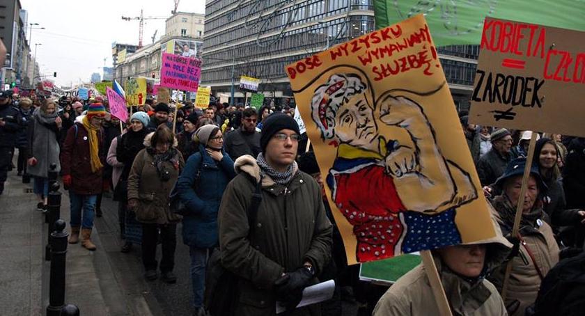 Protesty i manifestacje, Warszawska Manifa obiektywie [ZDJĘCIA] - zdjęcie, fotografia