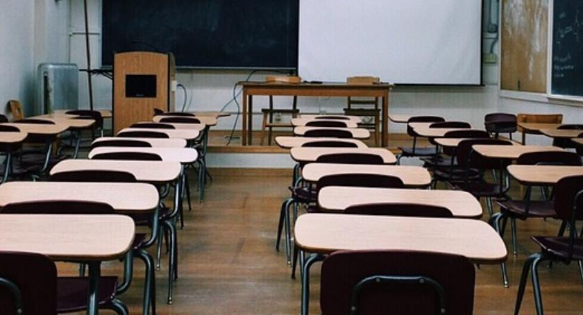 Edukacja, Strajk nauczycieli coraz bliżej mieście powołano sztab kryzysowy - zdjęcie, fotografia