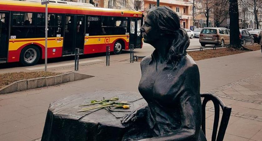 Historia Warszawy, zmarła Agnieszka Osiecka - zdjęcie, fotografia