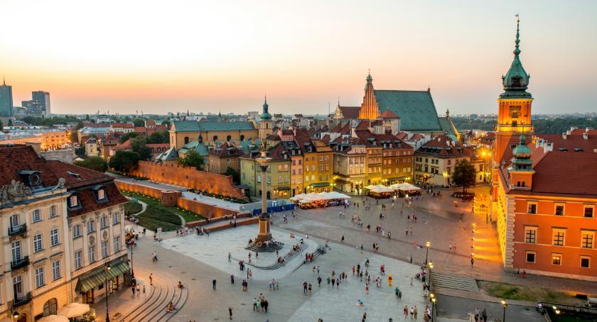 Handel i usługi, Praca Warszawie łatwo znaleźć - zdjęcie, fotografia