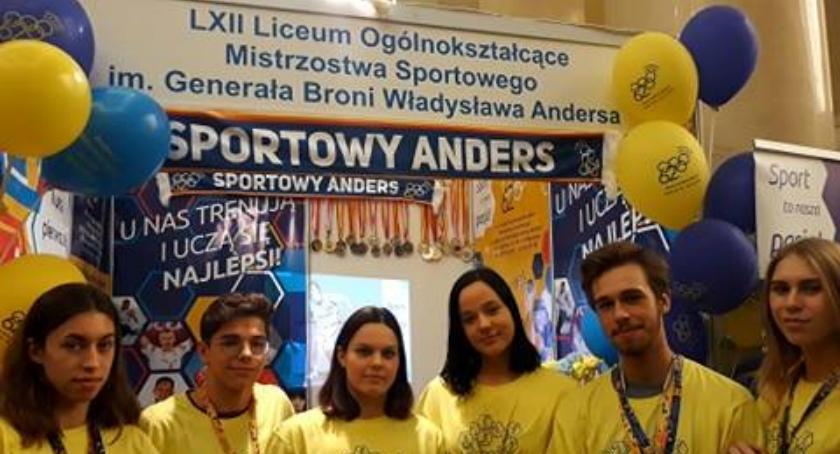 Ludzie PKiN, Międzynarodowy Salon Edukacyjny - zdjęcie, fotografia