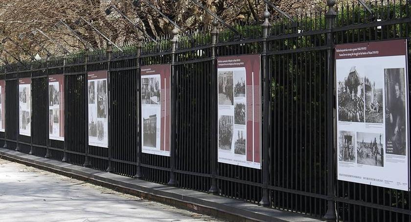 Wystawy, lecie utworzenia Biskupstwa Polowego Wystawa Łazienkach [ZDJĘCIA] - zdjęcie, fotografia
