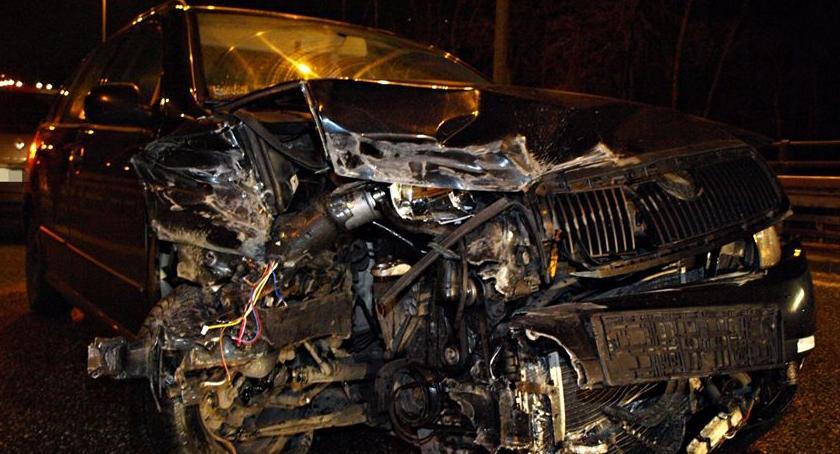 Wypadki, Znowu niedostosowanie prędkości warunków drodze - zdjęcie, fotografia