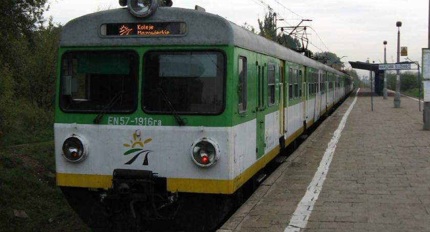 Koleje Mazowieckie, Ludzie mieszczą pociągach - zdjęcie, fotografia