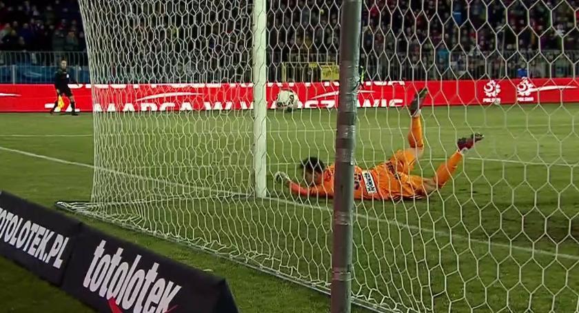 Legia Warszawa, Legia odpada Pucharu Polski Porażka dogrywce Rakowem Częstochowa - zdjęcie, fotografia