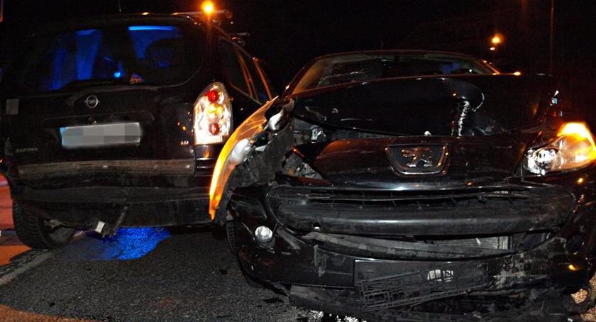 Wypadki, Zderzenie dwóch samochodów Żoliborzu [ZDJĘCIA] - zdjęcie, fotografia