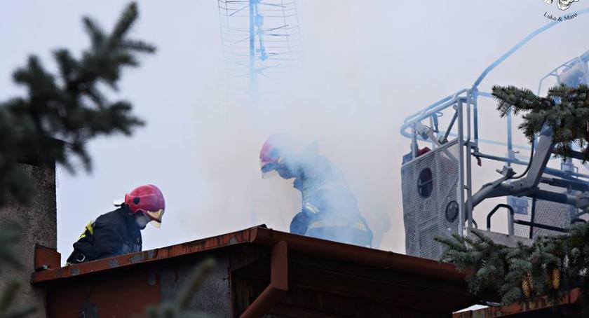 Pożary, Pożar sadzy kominie [ZDJĘCIA] - zdjęcie, fotografia