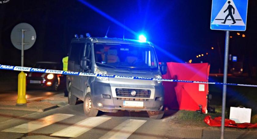 Wypadki, Śmierć pasach Motocyklista potrącił pieszego [ZDJĘCIA] - zdjęcie, fotografia