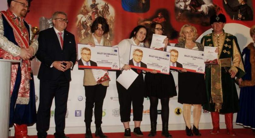 Historia Warszawy, Ryszard Czarnecki wręczył nagrody laureatom Konkursu Patriotycznego Patria Nostra - zdjęcie, fotografia