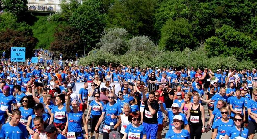 Biegi - maratony, Konstytucji ruszyły zapisy! - zdjęcie, fotografia
