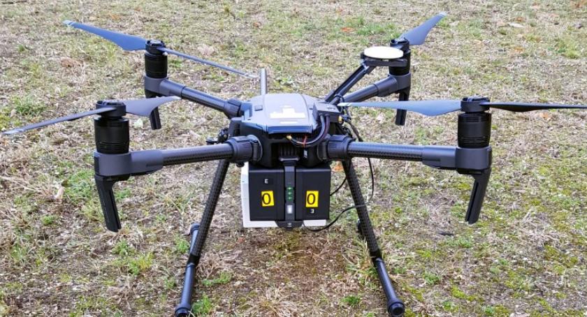 NEWS, PRIMA APRILIS broń straży miejskiej drony które sprawdzą popiół palenisku - zdjęcie, fotografia