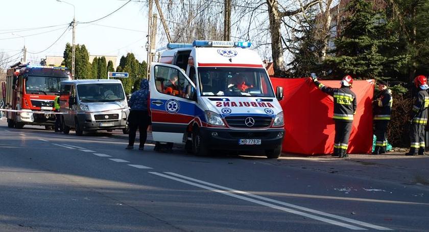 Wypadki, letnie dziecko zginęło przejściu pieszych [ZDJĘCIA] - zdjęcie, fotografia