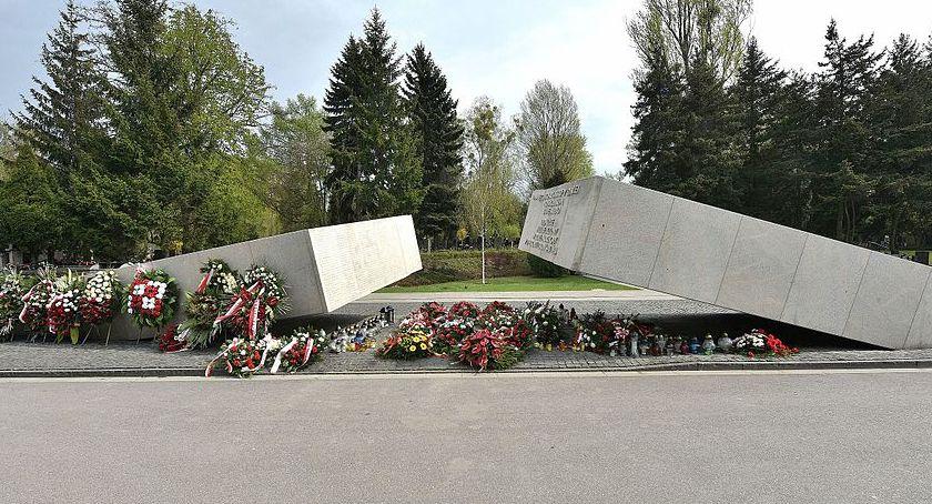 Imprezy, Wydarzenia, Jutro rocznica katastrofy Smoleńskiej Uroczystości Powązkach [PROGRAM] - zdjęcie, fotografia