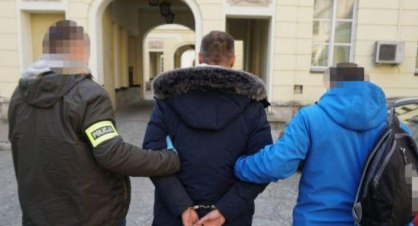 Bezpieczeństwo, Kilka osób straciło złotych - zdjęcie, fotografia