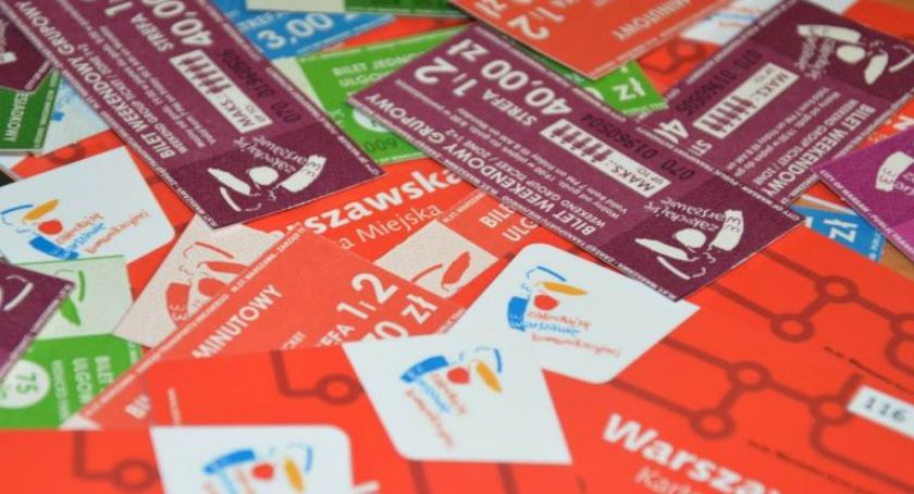 Transport publiczny - komunikacja, rocznymi biletami imiennymi będzie! - zdjęcie, fotografia