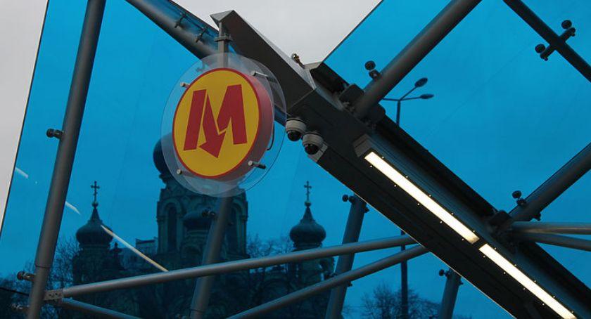 Metro, Stacja metra Dworzec Wileński zamknięta kwietnia - zdjęcie, fotografia