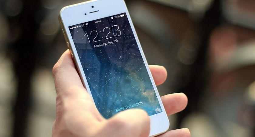 Czy naprawa iphone`a się nam opłaca?