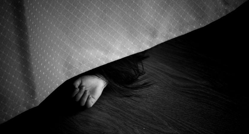 Zabójstwa, Ursynów znaleziono ciało młodej kobiety - zdjęcie, fotografia
