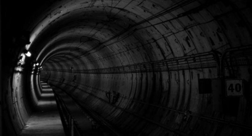 Metro, Przyjdź dzień otwarty odcinka linii metra - zdjęcie, fotografia