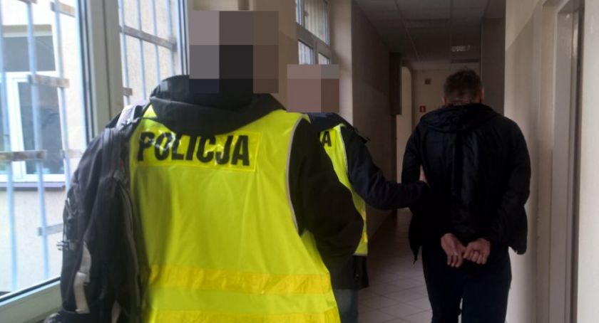 Kradzieże i Rozboje, Obywatel Rumunii złapany montowanie nakładek bankomatach - zdjęcie, fotografia