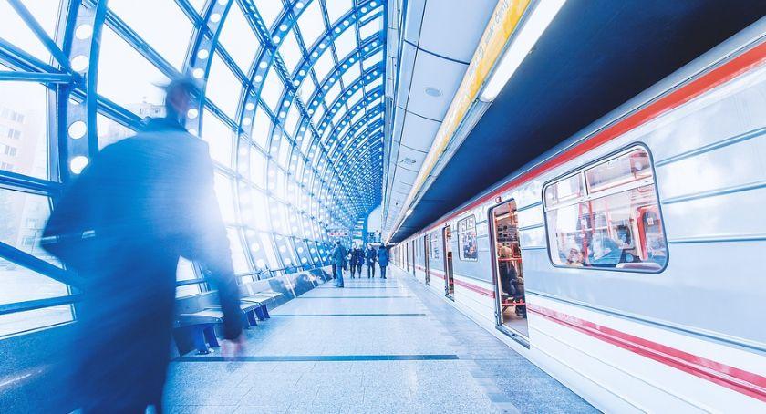Inwestycje, Trzecia linia metra przetarg studium techniczne - zdjęcie, fotografia