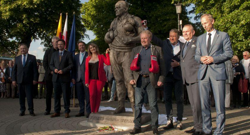 Sport, Odsłonięto pomnik legendarnego trenera Feliksa Stamma - zdjęcie, fotografia