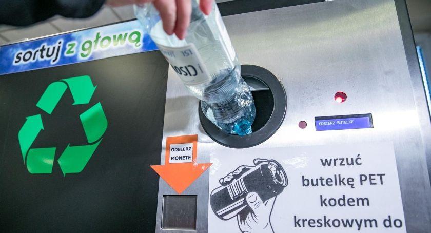 Samorząd, Będą butelkomaty Warszawie butelki dostaniesz bilety autobusu - zdjęcie, fotografia