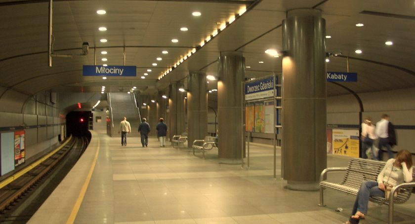 Wypadki, Wypadek stacji Dworzec Gdański utrudnienia - zdjęcie, fotografia