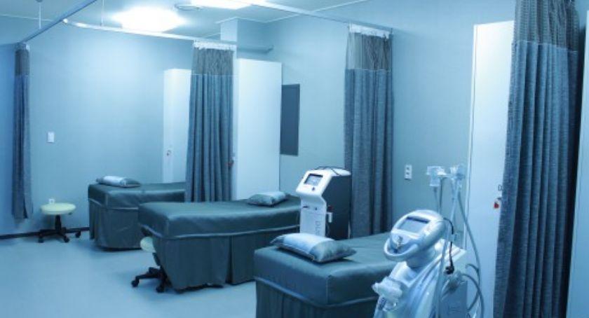 Wypadki, szpitalu rozpylono nieznaną substancję - zdjęcie, fotografia