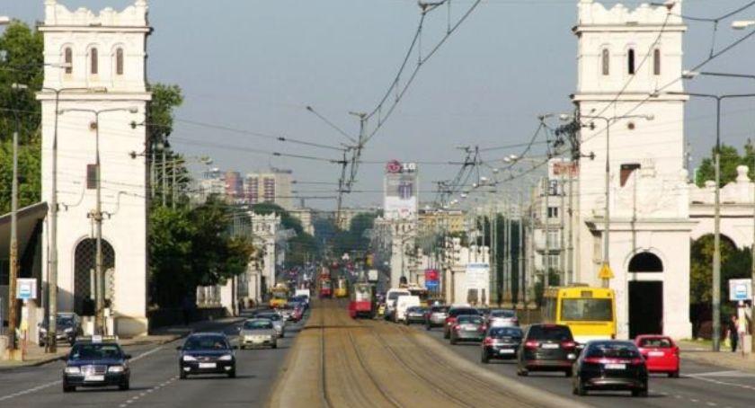 Ulice – place , Poniatoszczak odcinkowy pomiar prędkości - zdjęcie, fotografia