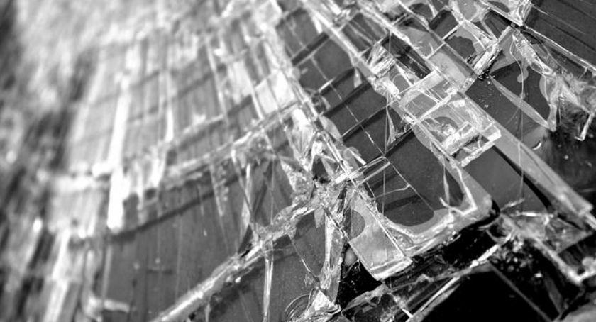 Wypadki, Nietrzeźwy nastolatek wjechał - zdjęcie, fotografia