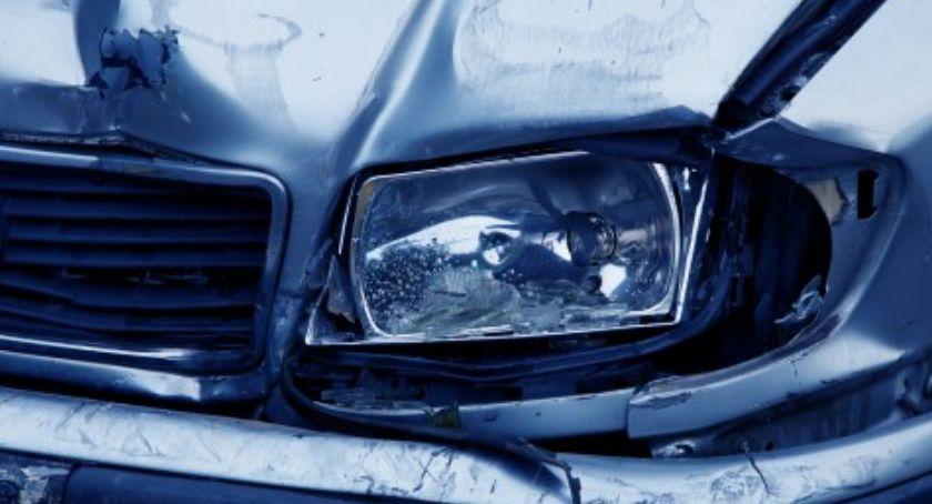Wypadki, Śródmieście uderzyło słup - zdjęcie, fotografia