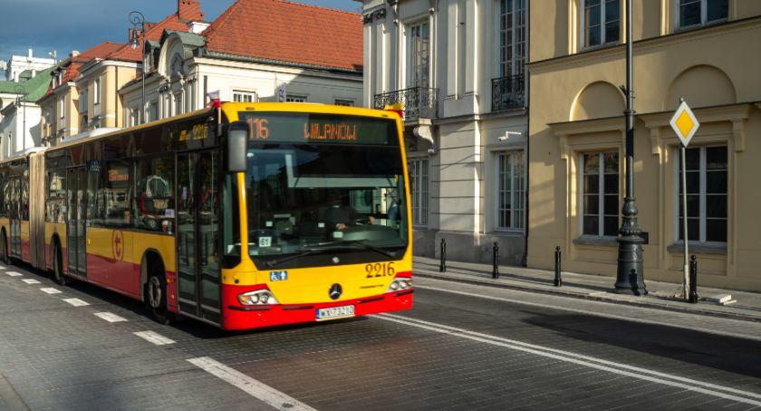 Transport publiczny - komunikacja, Wakacje Mniej tramwajów autobusów - zdjęcie, fotografia