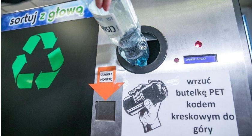 Inwestycje, Poznaliśmy pięć lokalizacji butelkomatów Warszawie - zdjęcie, fotografia