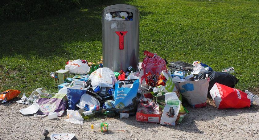 Handel i usługi, Radni Kaleta Ozdoba chcą dymisji wiceprezydenta Poszło śmieci - zdjęcie, fotografia