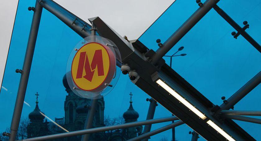 Metro, stacje metra linii - zdjęcie, fotografia