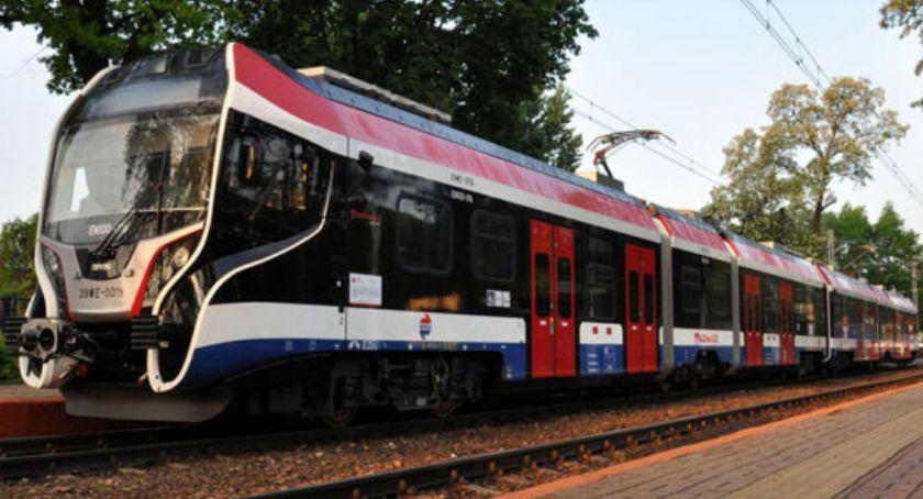 Transport publiczny - komunikacja, Warszawskiej Kolei Dojazdowej - zdjęcie, fotografia