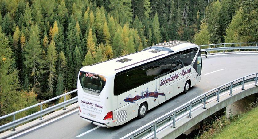 Transport publiczny - komunikacja, BlaBlaBus wchodzi polski rynek - zdjęcie, fotografia