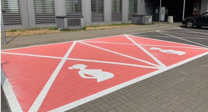 Drogi, Pierwsze Warszawie miejsca parkingowe przyszłych - zdjęcie, fotografia