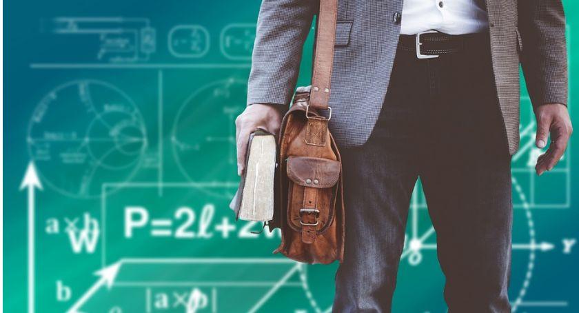 Edukacja, Warto wiedzieć rekrutacja uzupełniająca - zdjęcie, fotografia