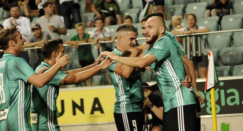 Piłka nożna, Legia pokonała fiński - zdjęcie, fotografia