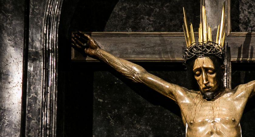 NEWS, Odnowią krucyfiks kaplicy Baryczków - zdjęcie, fotografia
